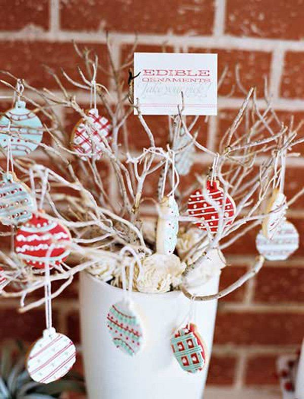 Looking for a place where you can hang your Christmas candies? This is your Christmas candy tree. Simply collect some twigs in your backyard, put them in a vase and secure the Christmas treats with a yarn to hang from the twigs.