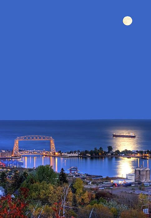 Lift bridge in Duluth, MN.... been there, done that, ain't goin back!!!