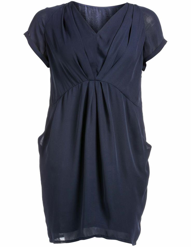 V-neck chiffon dress in Dark-Blue designed by Manon Baptiste to find in Category Dresses at navabi.de