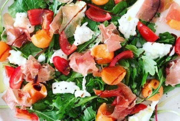 Zomerse salade met meloen & mozzarella
