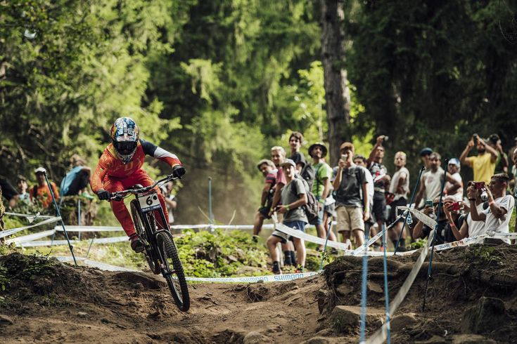 Racing Enduro Is Inherently More Dangerous than Racing DH https://www.singletracks.com/blog/mtb-events/racing-enduro-inherently-dangerous-racing-dh/