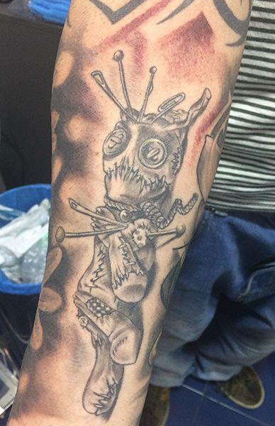 Tatuaje de muñeco vudú realizado en nuestro centro de Montera de Madrid.    #tattoo #tattoos #tattooed #tattooing #tattooist #tattooart #tattooshop #tattoolife #tattooartist #tattoodesign #tattooedgirls #tattoosketch #tattooideas #tattoooftheday #tattooer #tattoogirl #tattooink #tattoolove #tattootime #tattooflash #tattooedgirl #tattooedmen #tattooaddict#tattoostudio #tattoolover #tattoolovers #tattooedwomen#tattooedlife #tattoostyle #tatuajes #tatuajesmadrid #ink #inktober #inktattoo