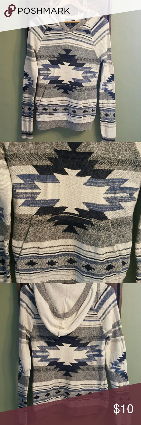 AMERICAN EAGLE AZTEC HOODIE Mens size XS = WOMENS SIZE MEDIUM. Aztec print hoodie. Soft and comfortable. American Eagle Outfitters Tops Sweatshirts & Hoodies
