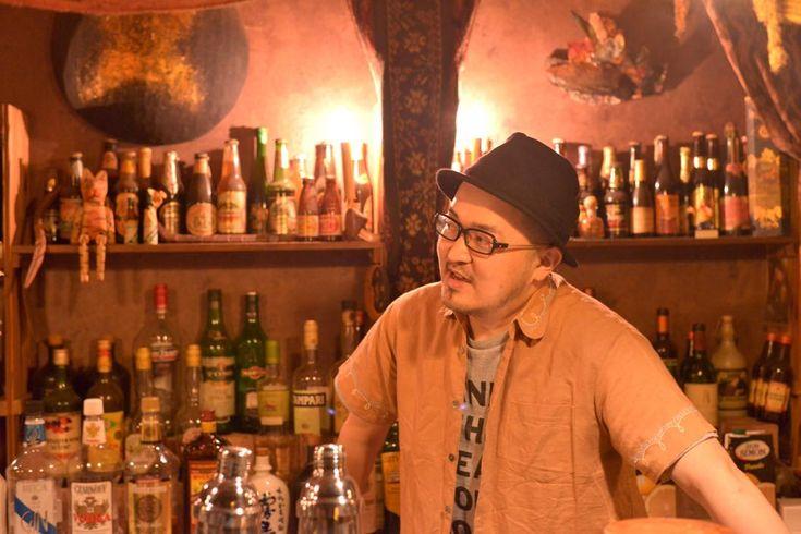 岩手県遠野市で喫茶・バーの「カーゴ・カルト」を営む高橋強さん。遠野生まれ遠野育ち、遠野在住の高橋さんに、地域の変化とこれからについてうかがいました。