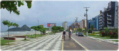 Calçadão de Matinhos. Praia Mansa. Avenida Atlântica.