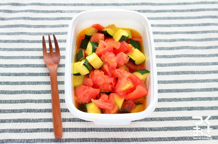 tomato & zucchini トマトとズッキーニの炒めサラダ