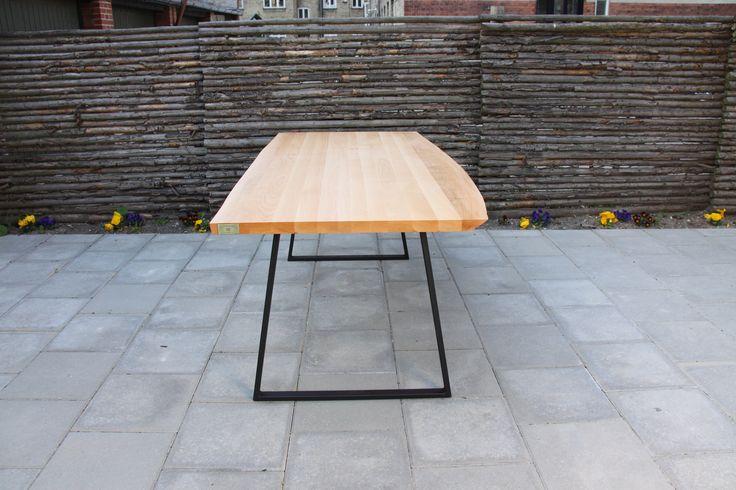 Custom bord lavet af massiv ask  #Wood #Woodworks #Træ #Custom #Furniture #Møbler #Vintage #VintageKBH #Genbrug #Snedker #Plankebord #Bænk #Bench #Shelfs #Hylde #Denmark #Danmark #Frederiksberg