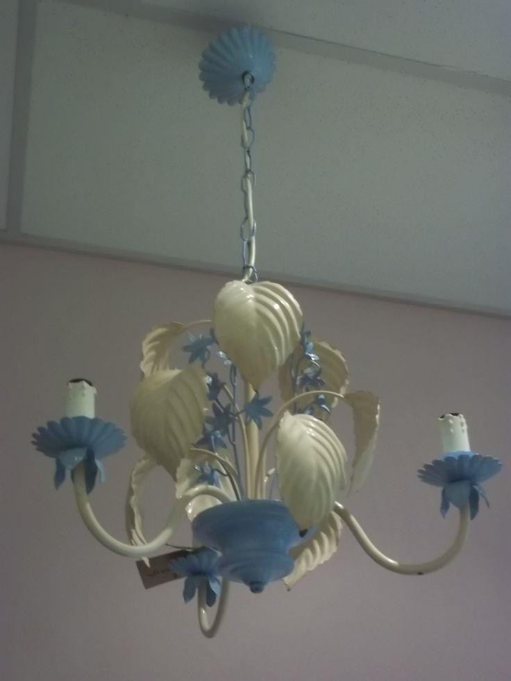 Franse Toleware Chandelier. Te gebruiken met kaarsen of electra.www.shabbytreats.com