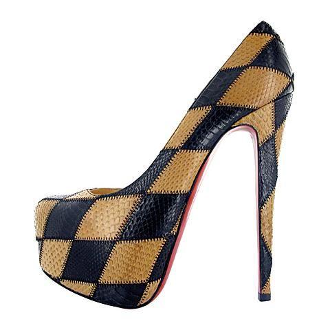 Каричневые туфли на высоком каблуке и платформе