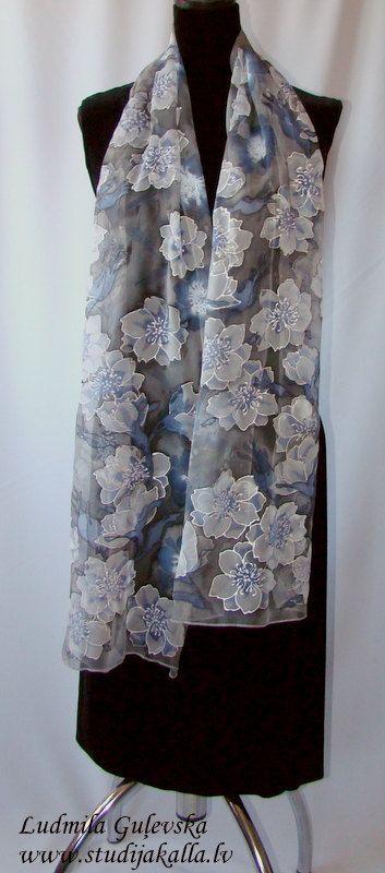 Scialle seta naturale floreale grigio viola di Studijakalla