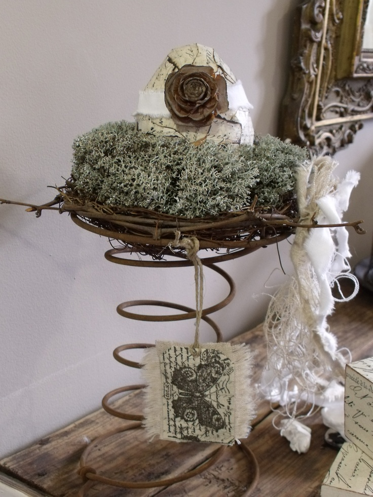 Old bed spring springs pinterest for Bed spring decoration