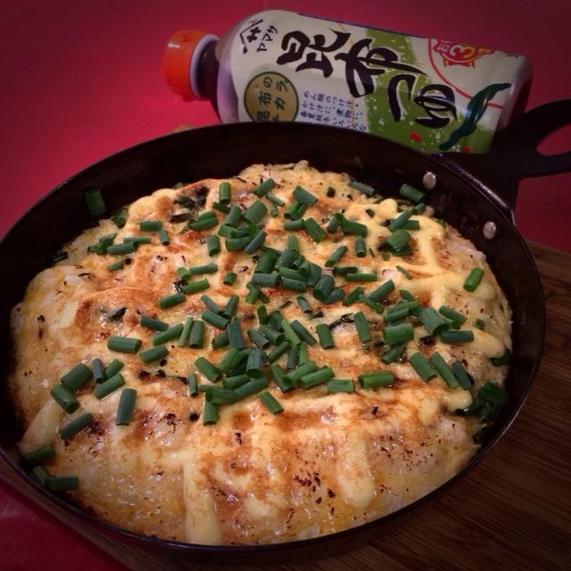 長いもをすって、卵とまぜまぜ。 マヨネーズたっぷりかけて炙ります。 スタミナ抜群の定番おかずです♪( ´▽`) - 155件のもぐもぐ - 昆布つゆで 長芋とろろ焼き by 1125shino