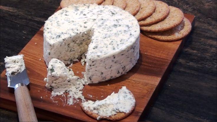 Recette fromage maison type Boursin. YOUTUBE: KateHacks. FACEBOOK: @katehacks.