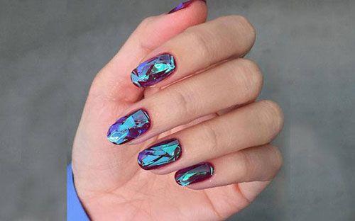 L'effetto finale offerto dalla glass nail art autunno inverno 2016, è quello di trasformare le unghie in superfici glossyeffetto vetrogiocando con la creazione di originali riflessi olografici. G…