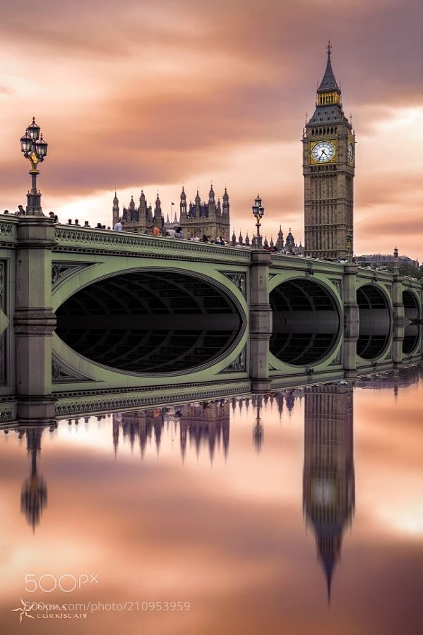 BIG BEN - This is the color version of the big ben.. u can see the BW in my gallery and its totally Different .. i love the mirroring in photo it gives simplicity and direct point to the view .. thanks 4 viewing ..