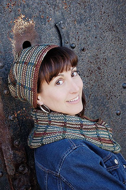 Ravelry: Blackwatch Hat and Cowl Set pattern by Hélène Rush
