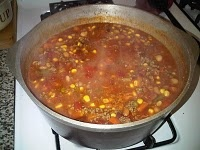 Lazy Day Soup! Just dump canned veggies in with ground hamburger meat and let it cook in the crockpot all day! yum!: Soups, Ground Hamburg, Hamburg Meat, Vegas Mom, Dinners Recipes, Crafty Vegas, Crockpot Recipes, Favorite Recipes, Lazy Days