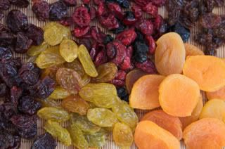 how to make dried fruit - I really want to try this with strawberries!