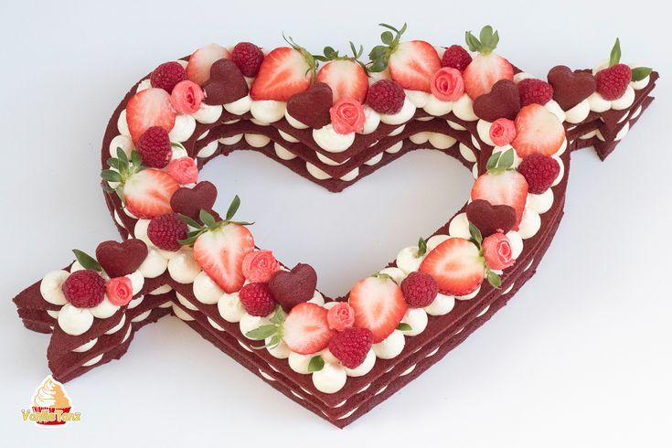 Trend Torte 2018 ! Number Cake! Super Rezept für Red Velvet Cream Tarte in Form eines Valentinsherzens. Gefüllt mit Frischkäse-Frosting. Ideal zum Valentinstag!