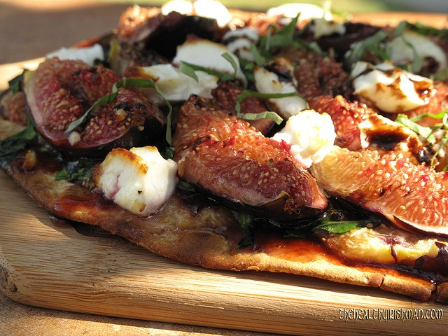 Saw the 1st figs of the season in the store. Let's kick off with this...  Fig & Goat's Cheese Pizza.