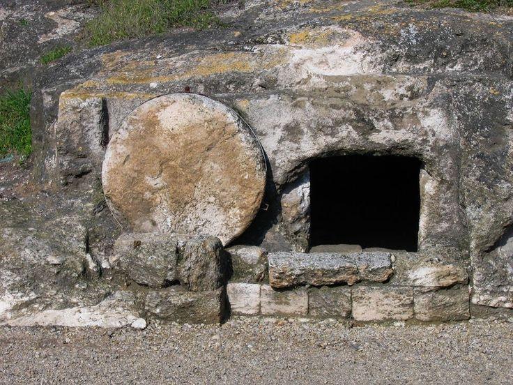 ¿Ha sido descubierta la tumba de Jesucristo en los suburbios de Talpiot en Jerusalén? (Recomendable ver también el video adjunto) ¿Han sido descubiertos los huesos de Jesús? ¿Ha sido descubierta la tumba de Jesucristo en los suburbios de Talpiot en Jerusalén? En el 2007 en el documental de Discovery Channel TV, el productor James Cameron (El Titanic) y el director judío Simcha Jacobovici, intentaron probar que el entierro, cueva y huesos de Jesús fueron descubiertos cerca de Jerusalén…