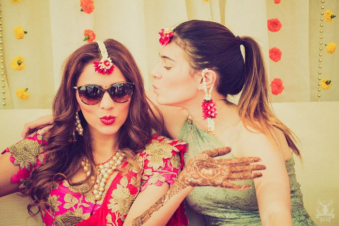 Floral accesories for mehendi
