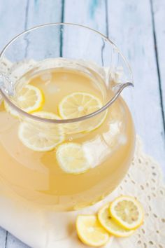Electrolyte Green Tea Lemonade | Healthful Pursuit #keto #highfat #lowcarb