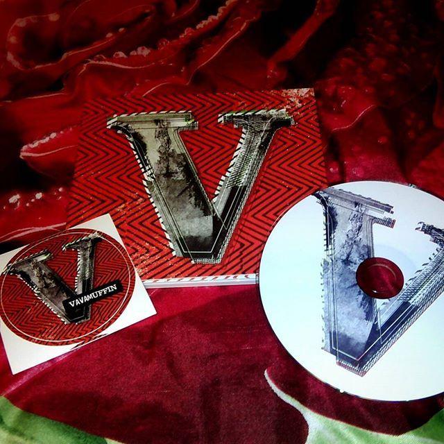 Nowa płyta #Vavamuffin - dziś jest taki dzień, w którym te brzmienia mają podwójne znaczenie.  #muzyka #music #cd #reggae #TwojaKulturaPL