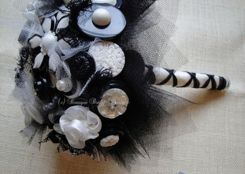 Ebony & ivory vintage button bridal bouquet. This stunning bouquet also has 4 vintage brooches.