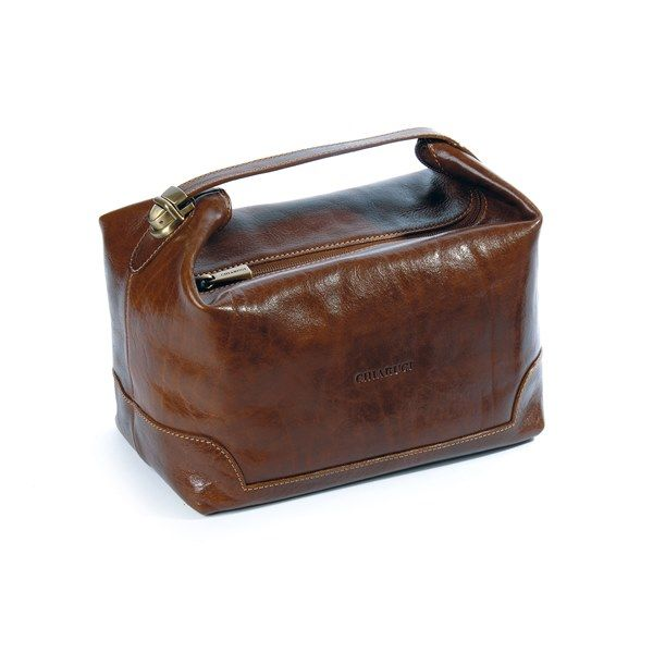 Men's leather wash bag, an ideal gift for the gentleman who loves to travel. http://thetannery.web-epos.com/product/4978/Chiarugi_Washbag_with_Handle_5217 #Christmas