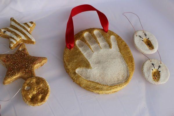 Maman Nougatine Activité: suspensions dorées en pâte à sel [déco de noël #2] - Maman Nougatine