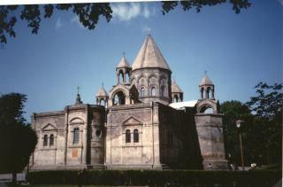 Armenia (Rep. Caucasiche) - Cattedrale di Echmiadzin - maggio 1988