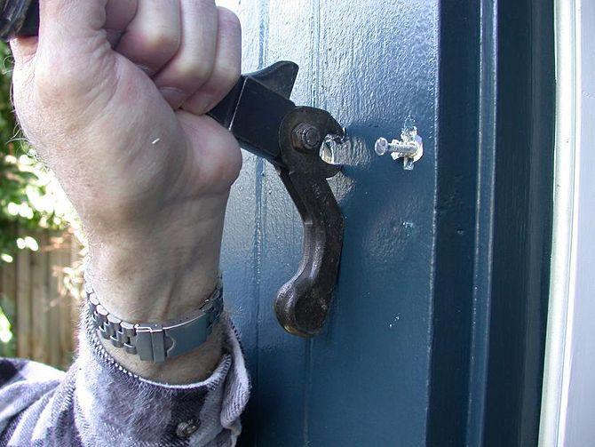 How To Installing Pre-Hung Door Design ~ http://lovelybuilding.com/installing-pre-hung-door-from-the-experts/