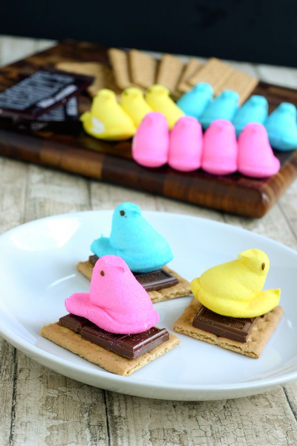 Peeps Smores for Easter by EclecticRecipes.com #recipe: Easter Parties, Easter Smore, Peeps Smore, Diy Crafts, Easter Camps, Easter Peeps, Peeps S More, Easter Treats, Easter Ideas