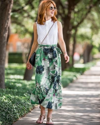 Wearing one of my favorite skirts today, from @anntaylor. Love this palm leaf print! Of course, I bought it at full price (always happens!), but it is 40% off now. I would love with a navy and white stripe top too! Have a great Monday! #liketkit @liketoknow.it http://liketk.it/2s935  Shop your screenshot of this pic with the LIKEtoKNOW.it app