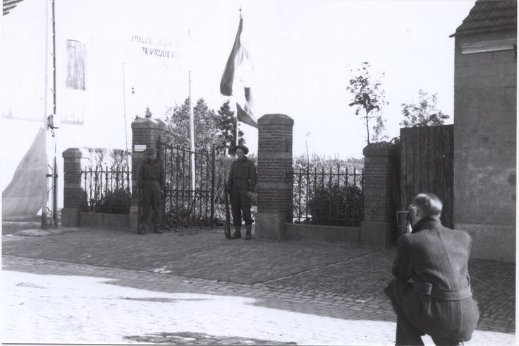 Putte Antwerpsestraat Canadeesewacht bij burgemeesterswoning