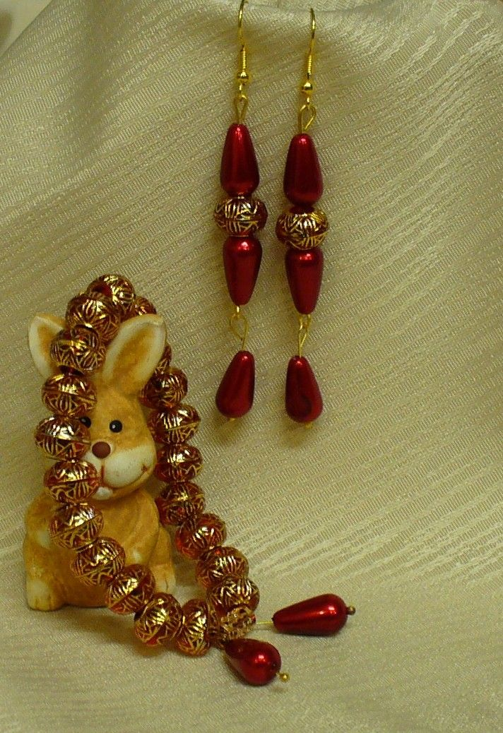 Fülbevaló, karkötő és nyuszi * Earring, bracelet and bunny