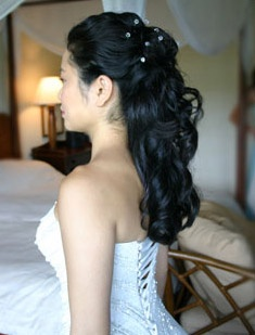 half up with curls down again just no glamour wedding. Black Bedroom Furniture Sets. Home Design Ideas