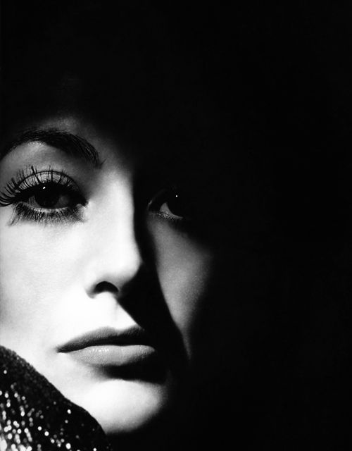 Joan Crawford photographed by George Hurrell, 1933.