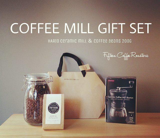 コーヒーミルギフトセット コーヒー豆200gとのセットでお買い得です敬老の日などのギフトにご予約承ります  #coffee #coffeebeans #beans #osaka #japan #specialtycoffee #コーヒー #コーヒー豆 #スペシャルティコーヒー #ギフト #gift #敬老の日 #コーヒーミル #大阪 #大阪コーヒー #高槻  #高槻コーヒー