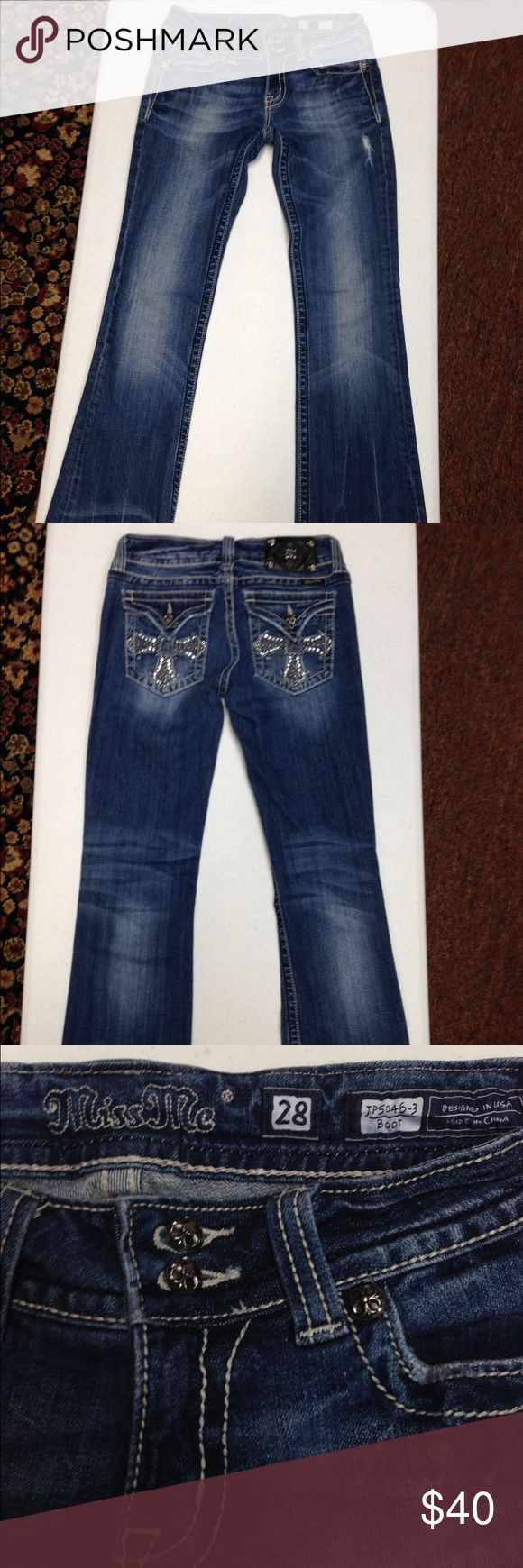 ⭐️Miss Me Cross Rhinestone Boot Cut Jeans⭐️ Size 28 JP5046-3 Miss Me Cross Rhinestone boot cut jeans. Jeans are in Excellent condition. Inseam is 32'. Barely worn, maybe two times. Miss Me Jeans Boot Cut
