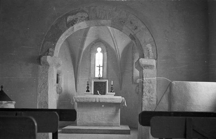 Kertváros. Sopronbánfalvi Mária Magdolna-templom. 1955