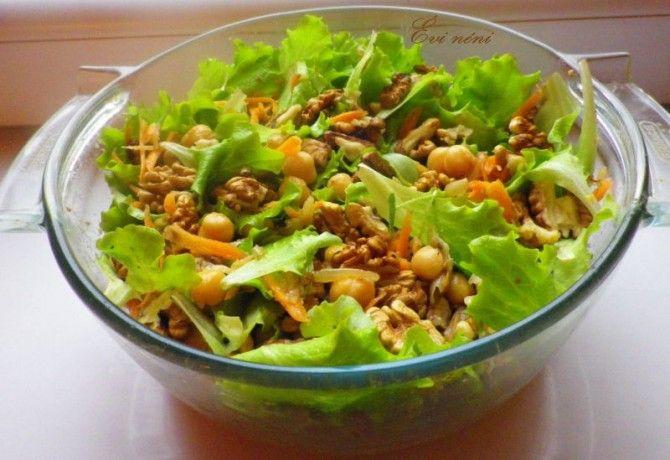 Csicseriborsós saláta