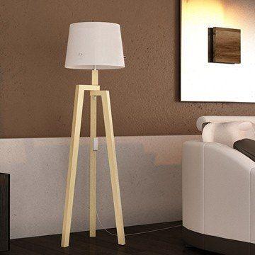moderna lámpara de pie en madera natural o laqueada