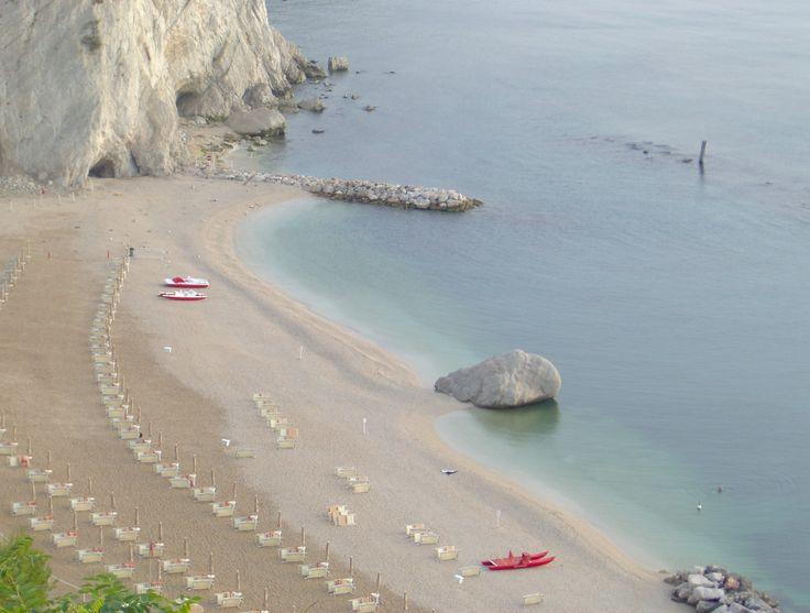 La Spiaggia dei Frati, Numana