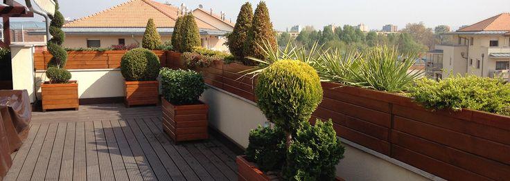 Cégünk a magánház kertek építésén túl nagyobb léptékű beruházásokat is végez.  http://www.szilpark.hu/