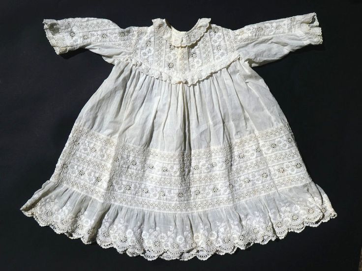 c1890, ANTIQUE 19thC VICTORIAN ENGLISH EMBROIDERED LACE CHILD'S / DOLL'S DRESS