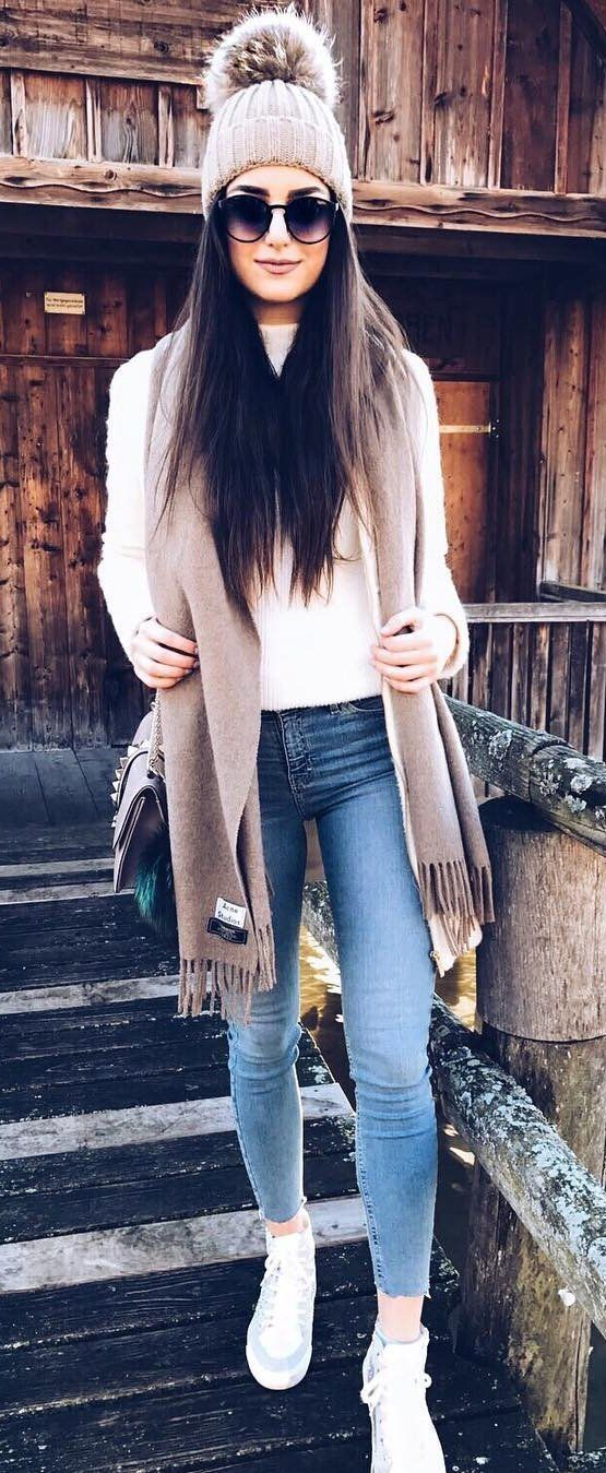Bleached Skinny Jeans // White Sneakers // White Top // Grey Beanie // Brown Carf