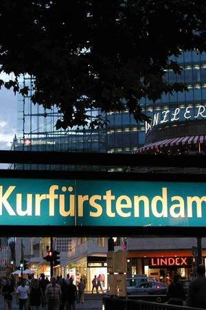 The famous Berlin shopping street: Kurfürstendamm. #berlin #shopping #sightseeing