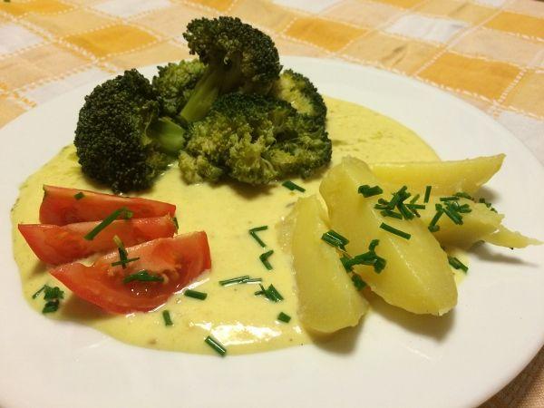 Brokolice ve smetanové omáčce s HRAŠKOU